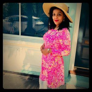 Gorgeous Lily Pulitzer summer dress.